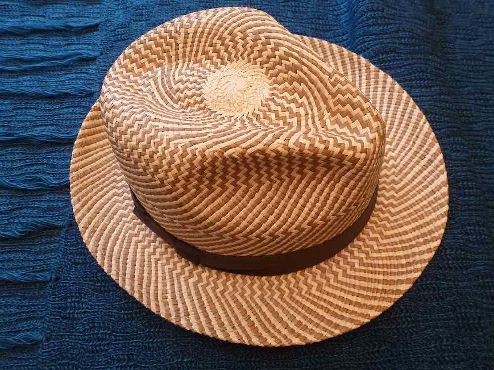 Chapeau Panama pour l'élégance en toute circonstance